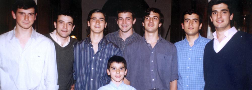 Los Varela – la familia con mas hermanos que pasaron por el Colegio 2004